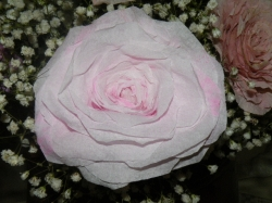 Brocante paper roses