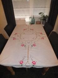 Rond tafelkleed met brocante bloemetjes